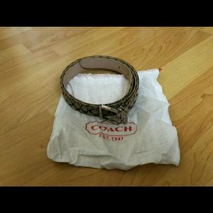 Coach brown signature belt with dust bag